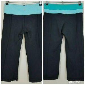 Lululemon reversible crop leggings size 4
